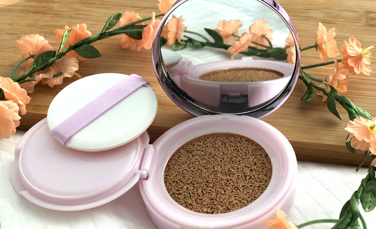 L'Oreal Nude Magique Cushion Dewy Glow Foundation
